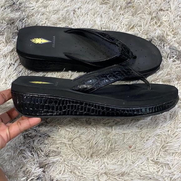 Volatile black sandal sz 11